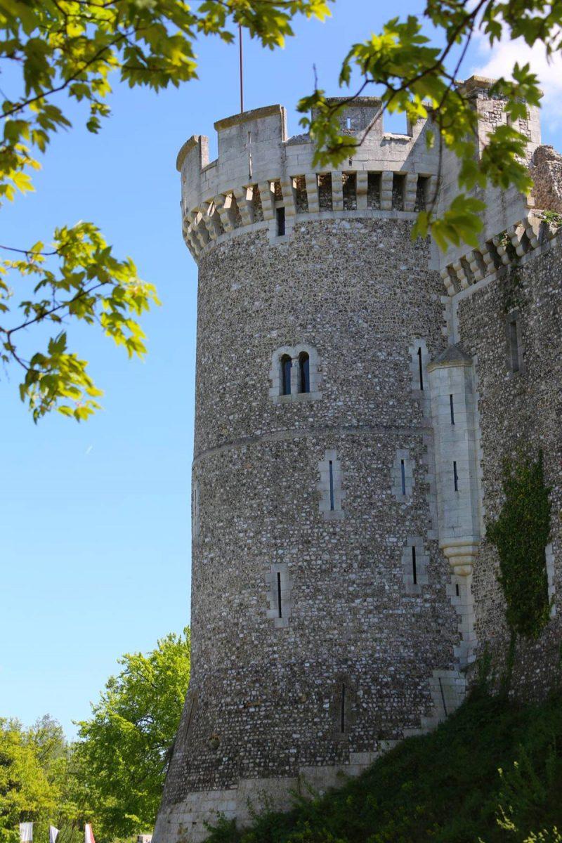 Tour du château de Robert le Diable