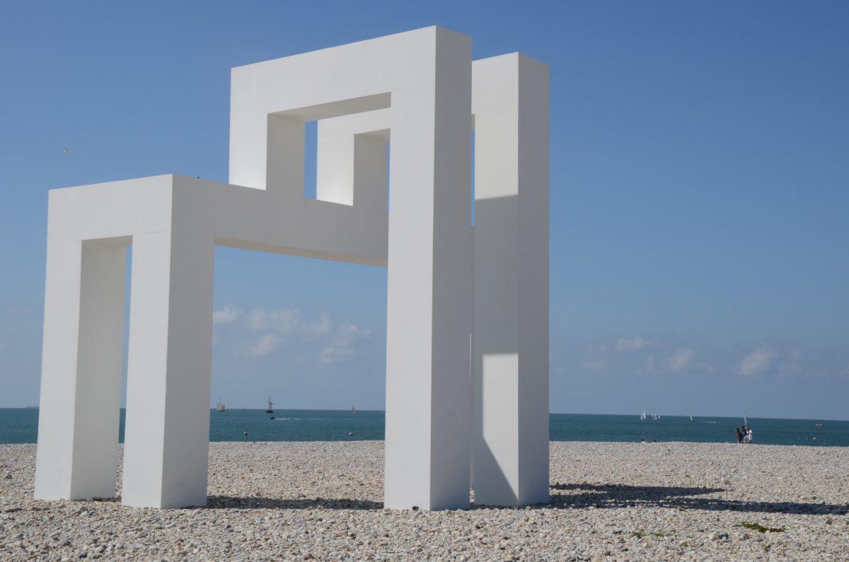 Oeuvre de Lang et Baumann sur la plage du Havre