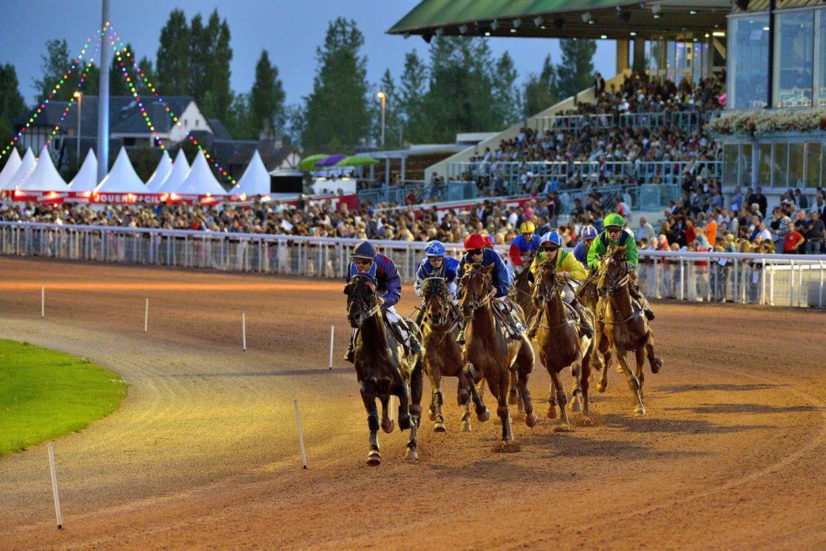 Courses de chevaux pendant les Estivales de Cabourg