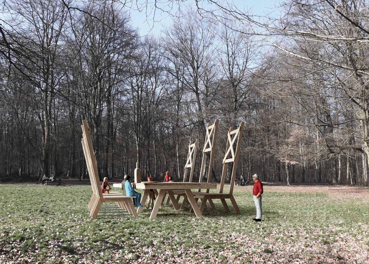 Exposition Forêt monumentale près de Rouen, oeuvre représentant une table et des chaises géantes