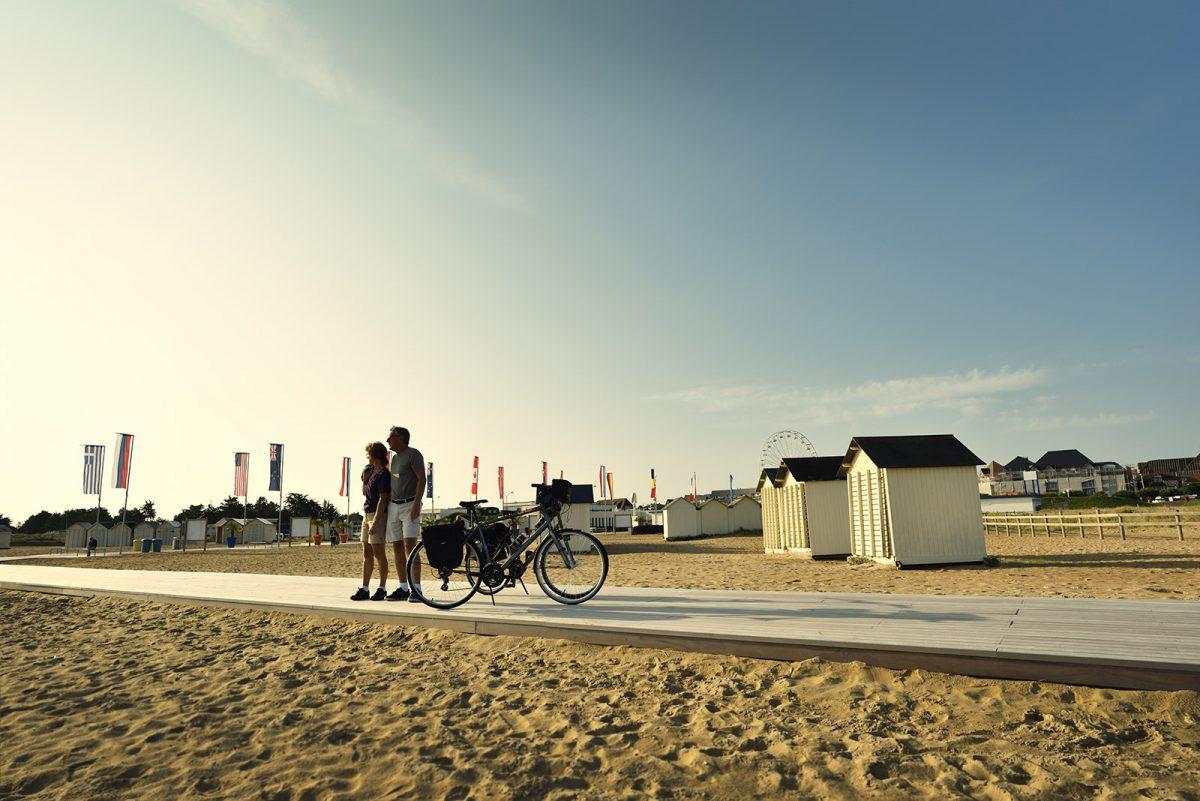 Plage Ouistreham sur l'itinéraire vélo francette
