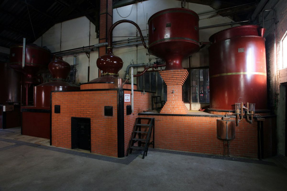 Distillation à la distillerie Busnel