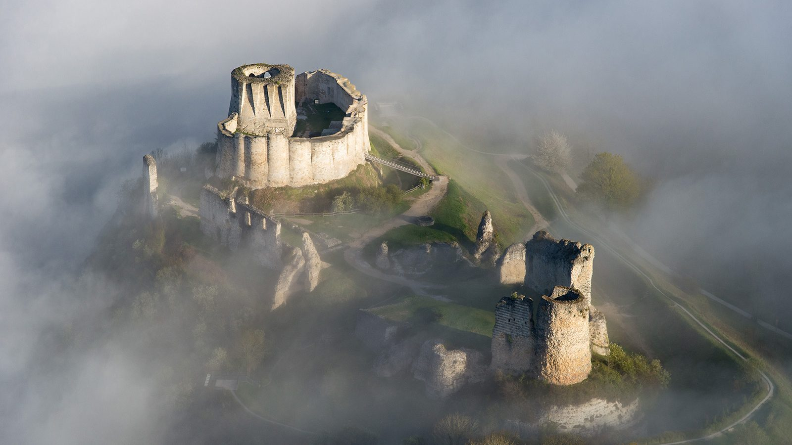 una noche en el castillo - Página 2 Chateau-gaillard-francis-cormon-1600x900