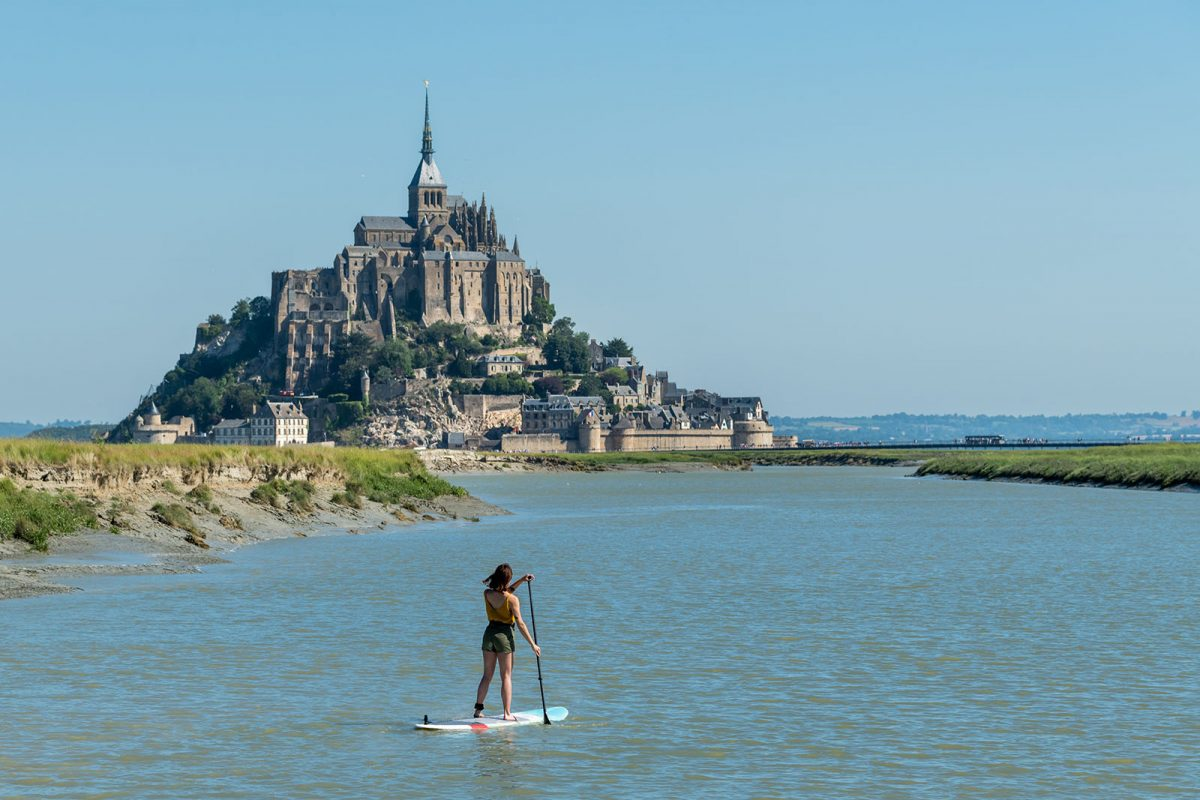Paddle face au Mont-Saint-Michel