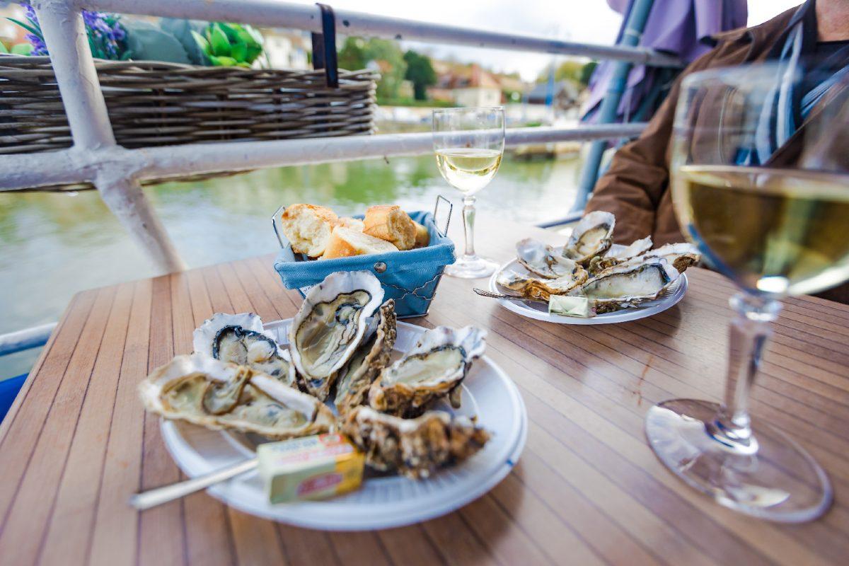 Dégustation d'huîtres à Port en Bessin - Le goût du Large