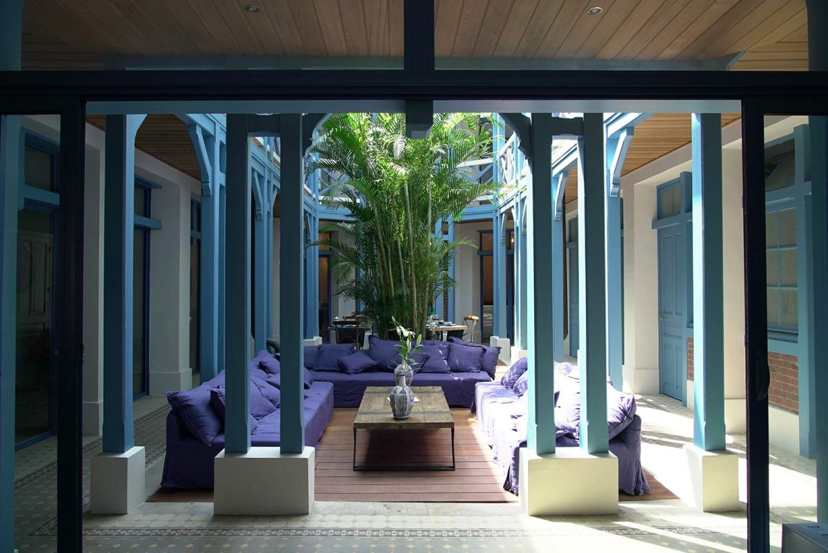 Le patio de la Villa d'Eaux à Villers-sur-Mer
