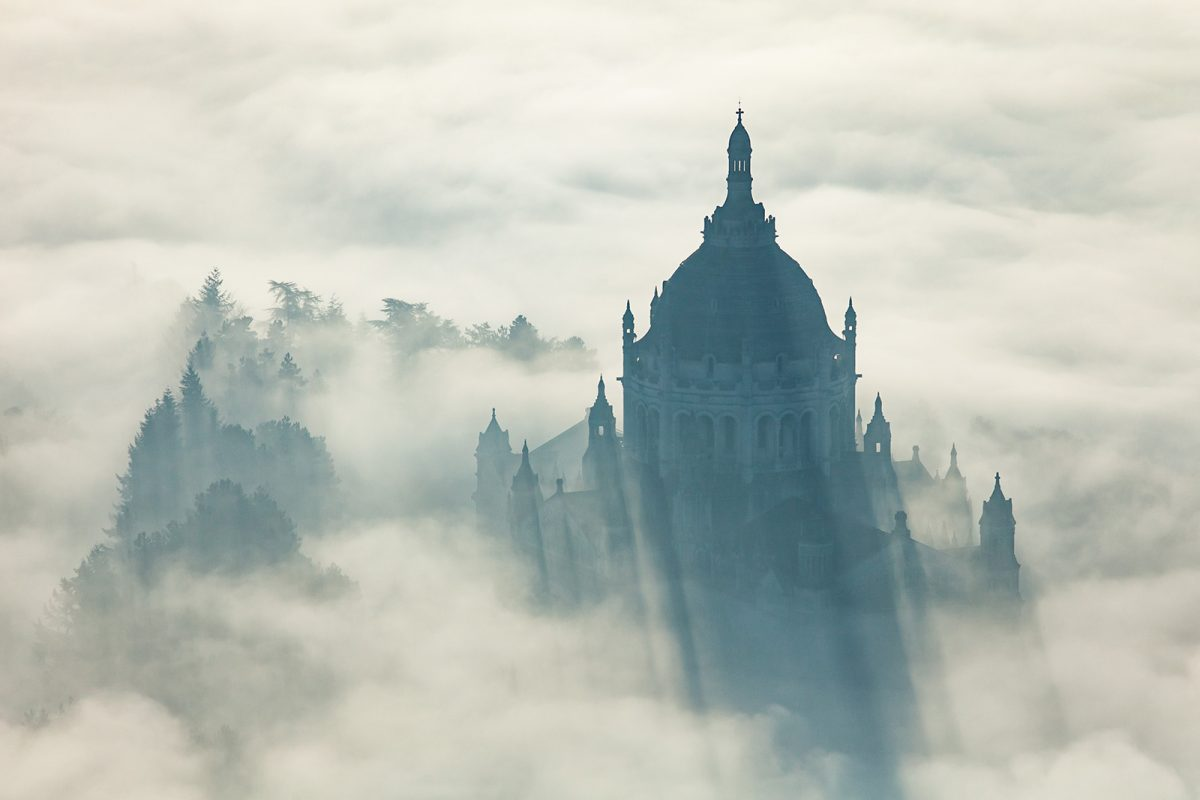 Basilique Sainte Thérèse de Lisieux vue du ciel