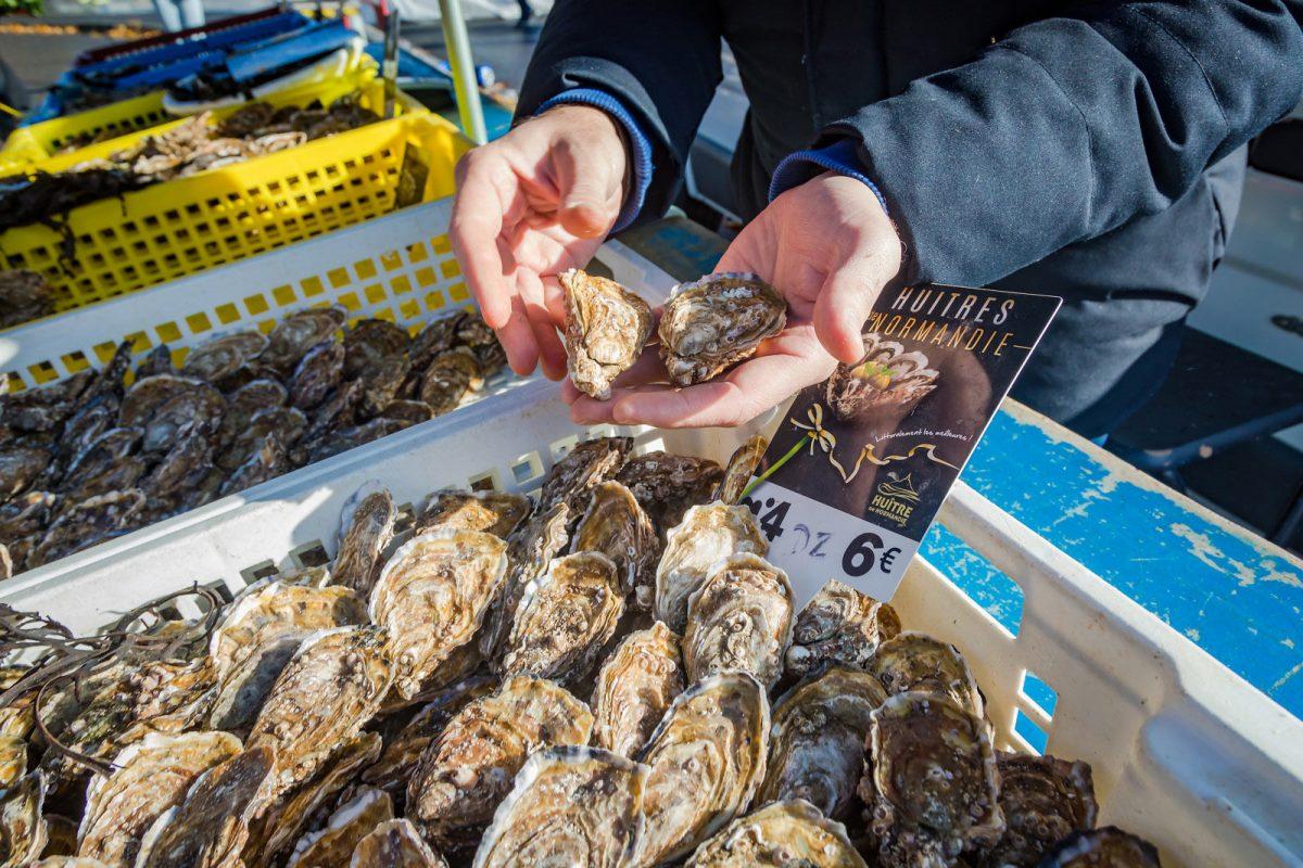 Huîtres au marché de Caen