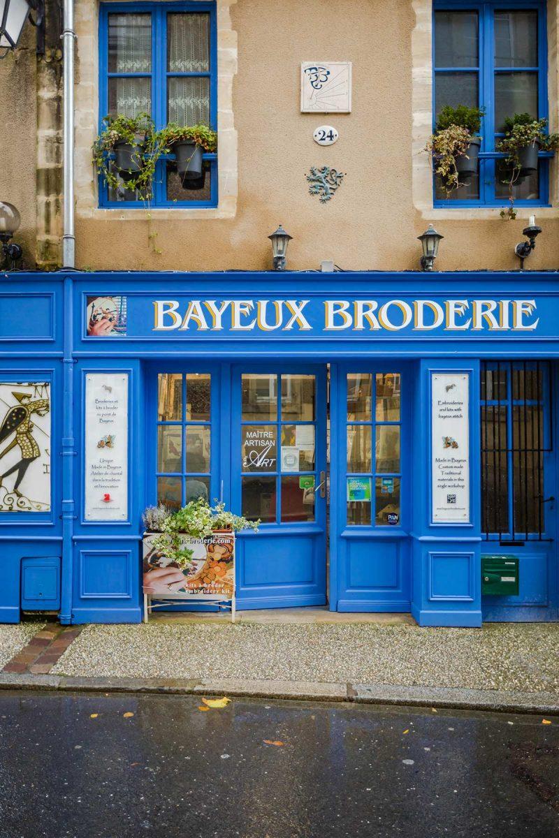 Expérience Je sais broder au point de Bayeux