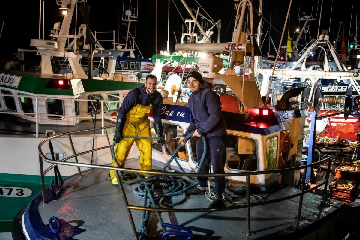 Pêcheurs à Port-en-Bessin