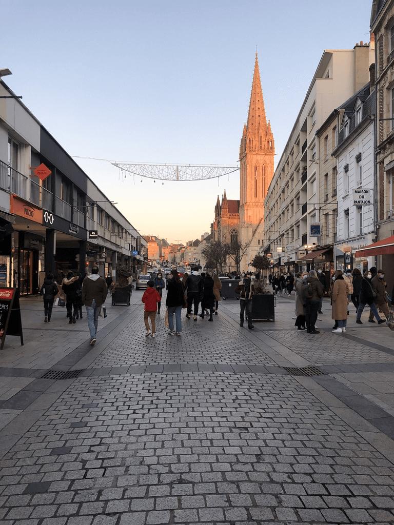 Rue Saint-Pierre à Caen en hiver