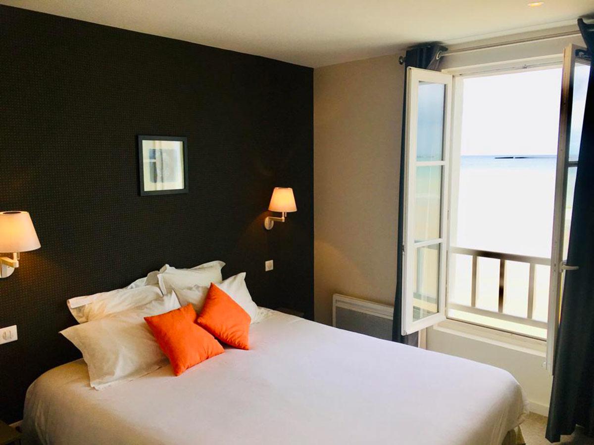 Hôtel La Marine, chambre vue mer, Arromanches
