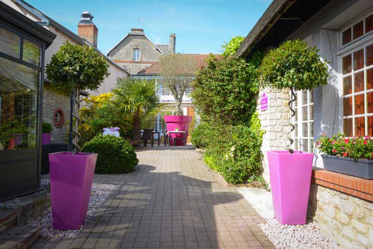 Entrée de l'hôtel-restaurant L'Auberge normande à Carentan