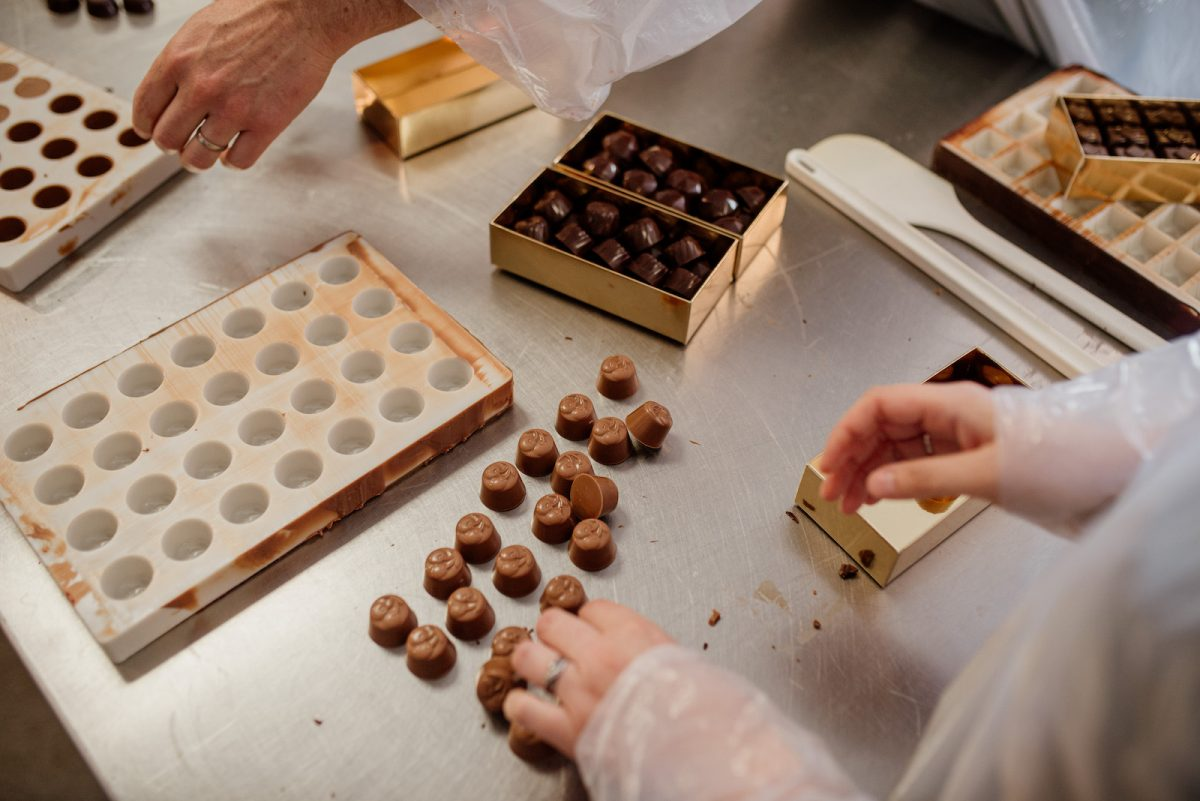 Démoulage des chocolats