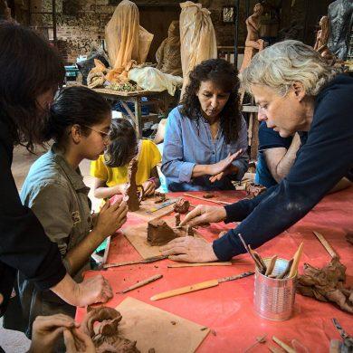 Visite et Atelier modelage au Jardin des Sculptures