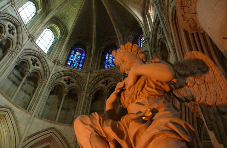 Cathedrale Saint Pierre, détail de l'intérieur – Lisieux